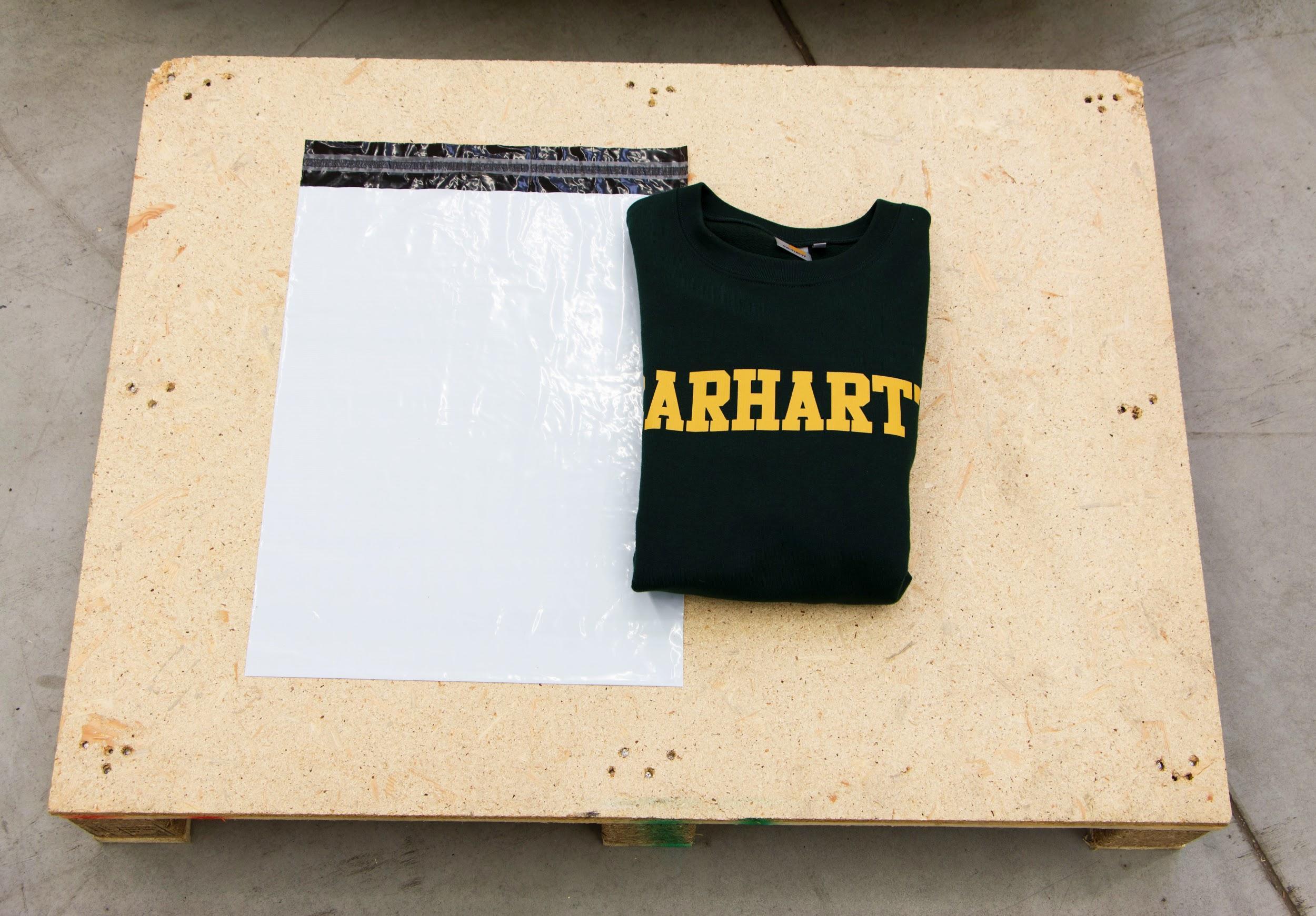 b446026c1b Jak skutecznie zapakować i wysłać ubrania w kopercie foliowej